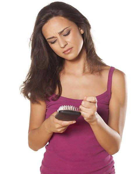 Haartransplantation gegen psychische Auswirkungen von Haarausfall bei Frauen