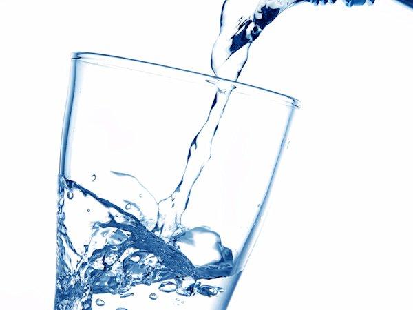 Wasser im Büro - wer richtig trinkt, denkt besser!